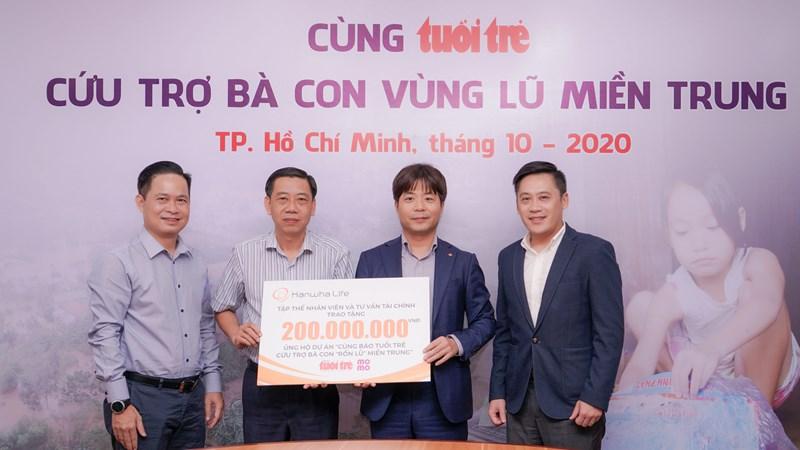 Hanwha Life Việt Nam ủng hộ 200 triệu đồng hỗ trợ người dân miền Trung