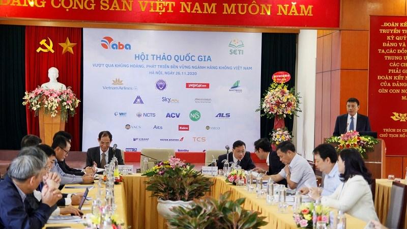 Bàn giải pháp để phát triển bền vững ngành hàng không Việt Nam
