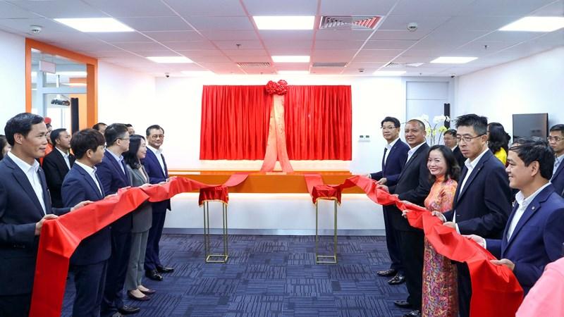 Hanwha Life Việt Nam khai trương Trung tâm phục vụ khách hàng Sài Gòn