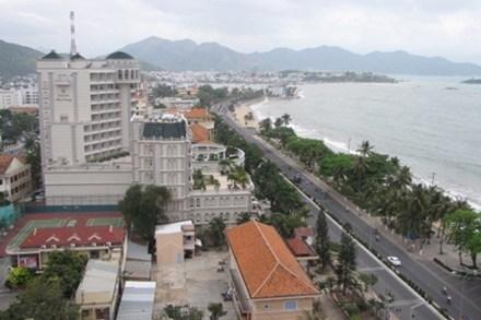 """Bất động sản Nha Trang: Khách sạn và biệt thự  """"ảm đạm"""" thế nào ?"""