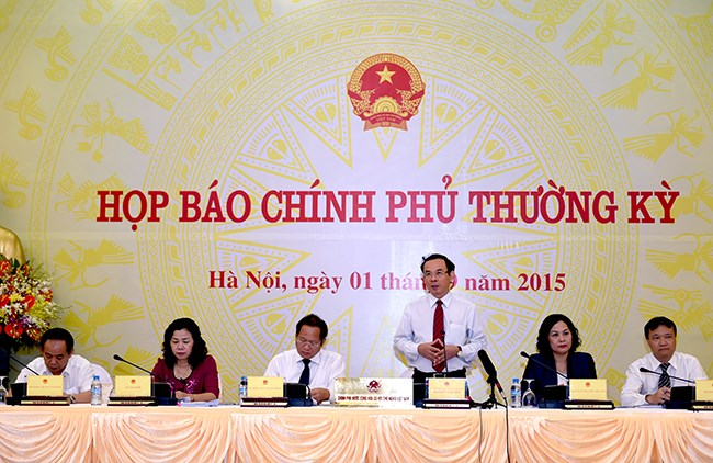 Bộ Tài chính tăng cường kiểm tra, giám sát tránh lạm thu phí
