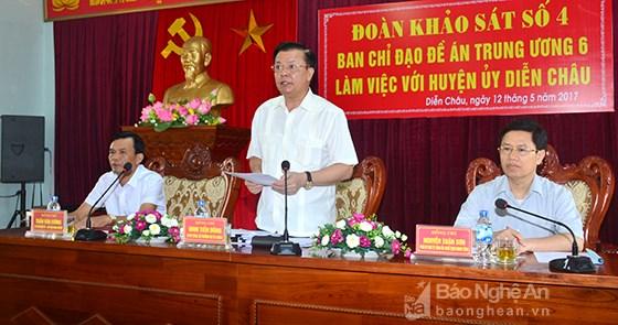 Bộ trưởng Bộ Tài chính Đinh Tiến Dũng làm việc tại Nghệ An