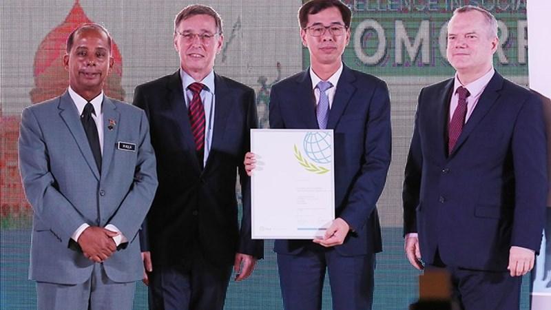 BHXH Việt Nam nhận Giải thưởng An sinh xã hội khu vực và được vinh danh có thành tựu nổi bật