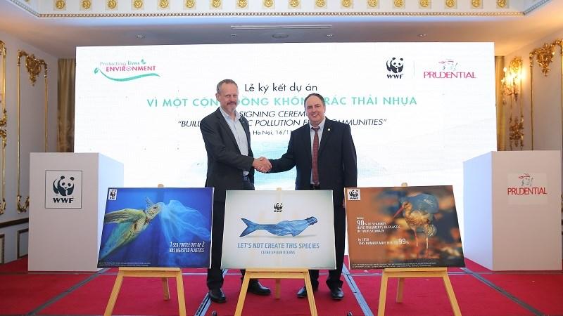 """Prudential và WWF ký kết hợp tác """"Vì một cộng đồng không rác thải nhựa"""""""