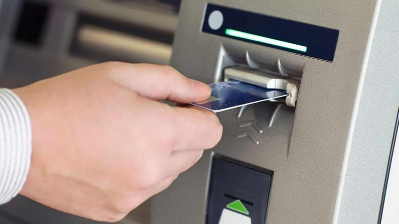[Infographic] Làm gì để giao dịch an toàn tại máy ATM?