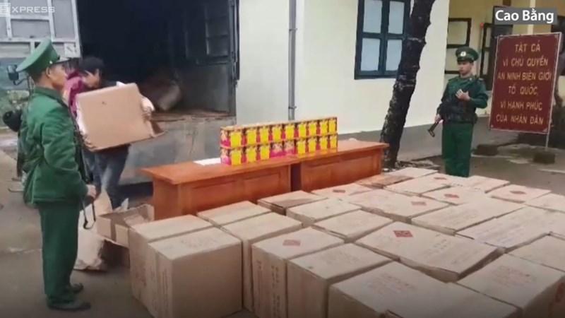 [Video] 3 người vận chuyển hơn 1,3 tấn pháo lậu vào Cao Bằng