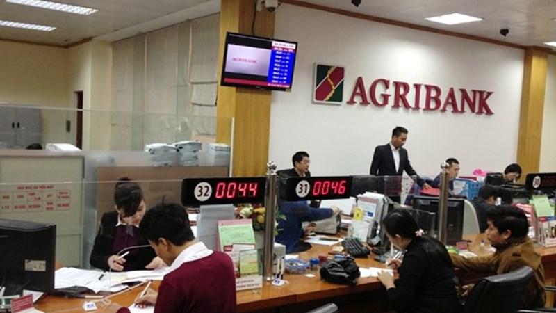 Nhân tố ảnh hưởng đến sự hài lòng của khách hàng với dịch vụ thẻ tại Agribank Kiên Giang