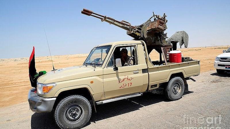 Xe pick-up gắn pháo, loại khí tài của phiến quân làm Mỹ, Nga đều khó chịu