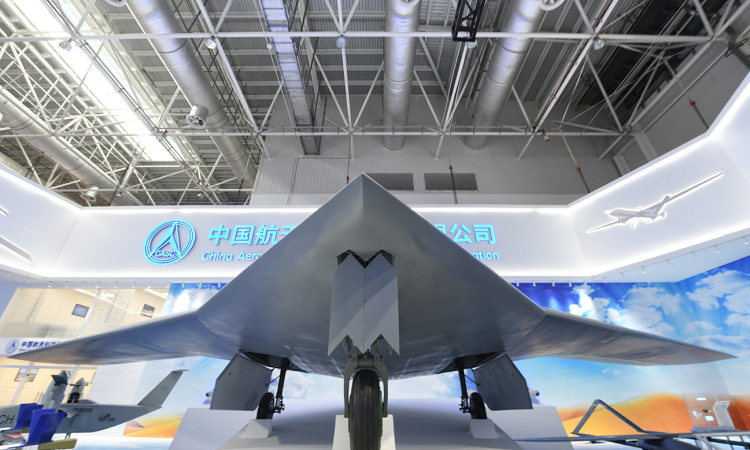 [Video] Mẫu máy bay không người lái Trung Quốc có sải cánh lớn hơn cả tiêm kích