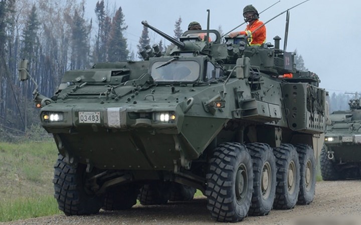 Cận cảnh xe thiết giáp chở quân LAV 6.0 được bảo vệ cực tốt của Canada