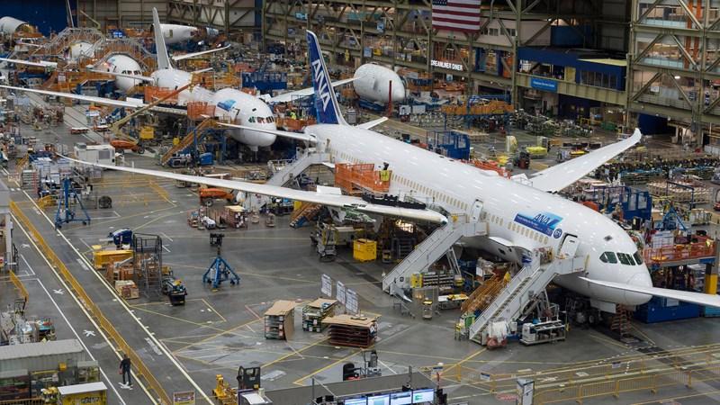 [Video] Bên trong nhà máy sản xuất máy bay lớn nhất thế giới của Boeing
