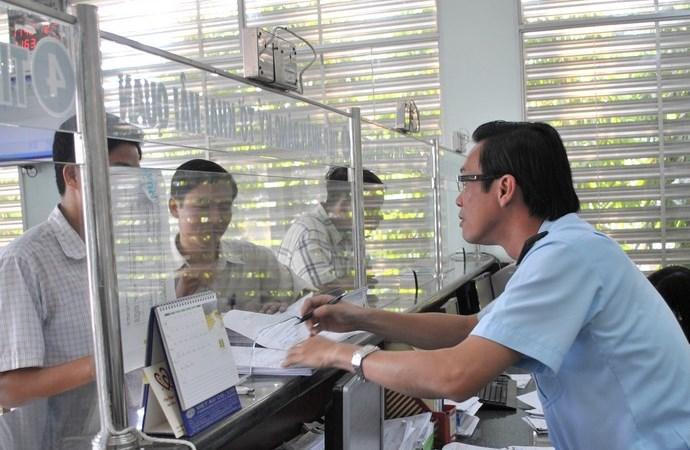 Thủ tục hoàn thuế hàng tạm nhập, tái xuất