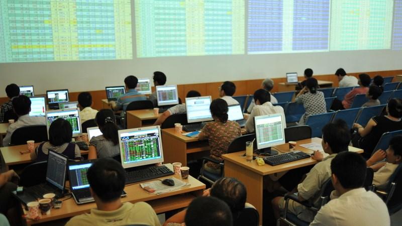 Tháng 7: nhà đầu tư ngoại mua ròng 8,7 triệu cổ phiếu trên HNX