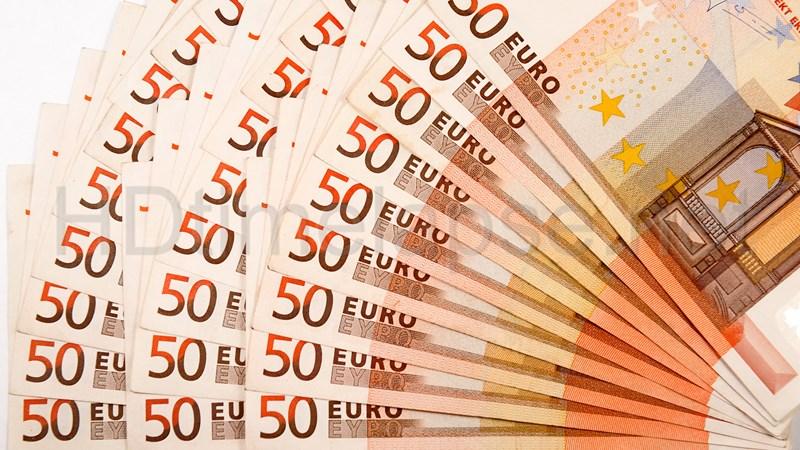 """Khi đồng euro """"âm thầm"""" mạnh lên"""