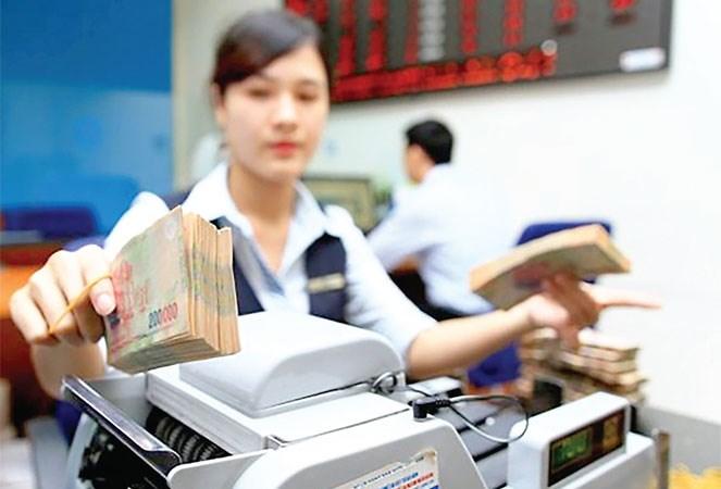 Thanh khoản dư thừa, lãi suất chưa giảm