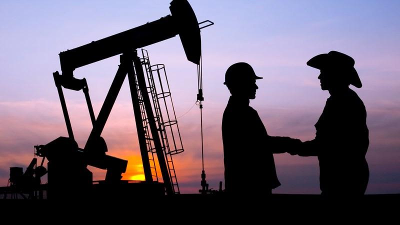 Nga và OPEC cùng giảm sản lượng khai thác dầu mỏ trong 6 tháng