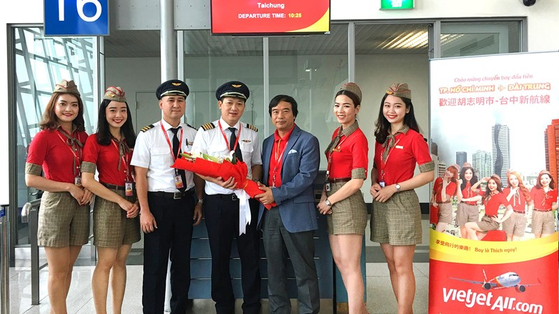 Vietjet chào mừng chuyến bay đầu tiên TP. Hồ Chí Minh – Đài Trung