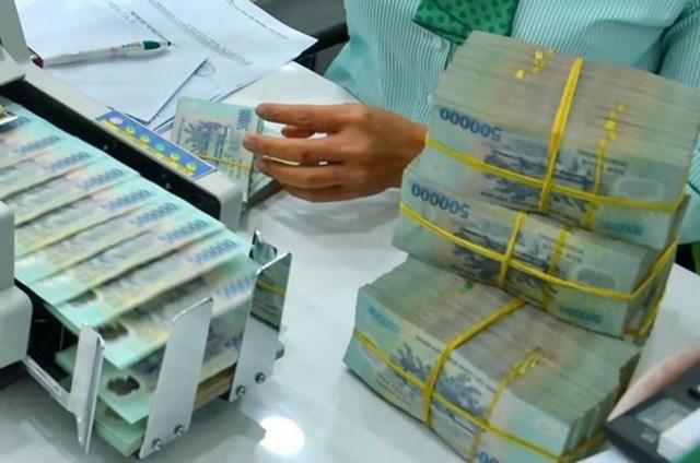 Cầu ngắn hạn tăng đẩy lãi suất liên ngân hàng tăng mạnh