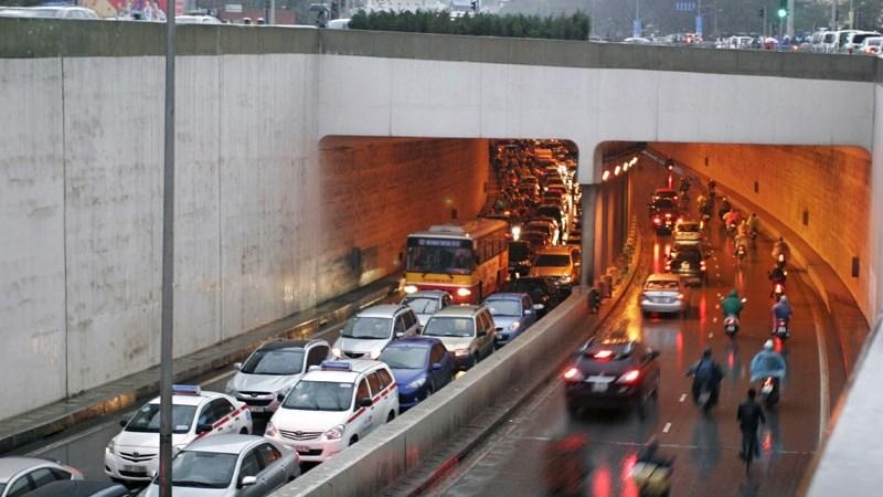 Một số giải pháp xây dựng kết cấu hạ tầng giao thông tại Hà Nội