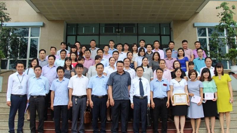 Bế giảng lớp Trung cấp lý luận Chính trị – Hành chính tại Cục Thuế tỉnh Hòa Bình