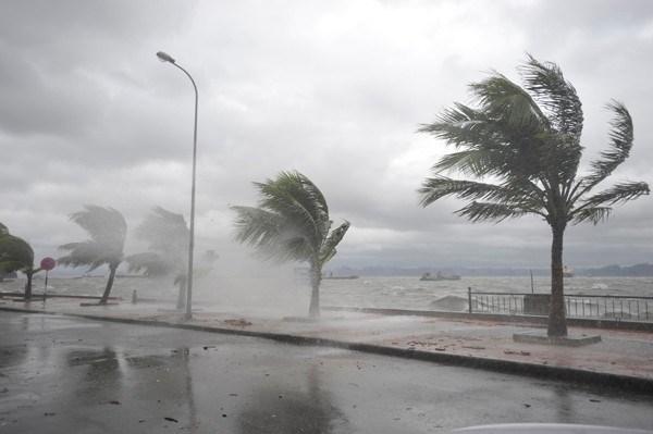Khuyến cáo hành khách khi đi tàu qua nơi bão số 10 đổ bộ