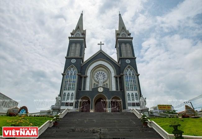 Nhà thờ Phú Cường- Điểm nhấn kiến trúc của tỉnh Bình Dương