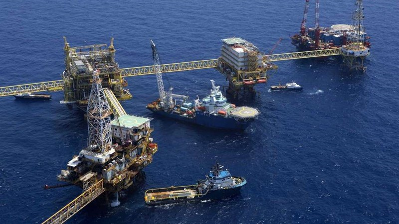 [Infographic] Cuộc cạnh tranh giữa Brazil và Mexico trong lĩnh vực dầu mỏ