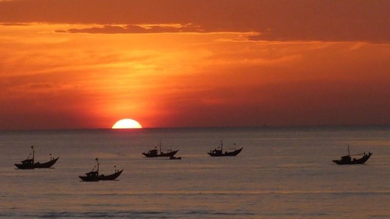Vẻ đẹp ngư dân bám biển