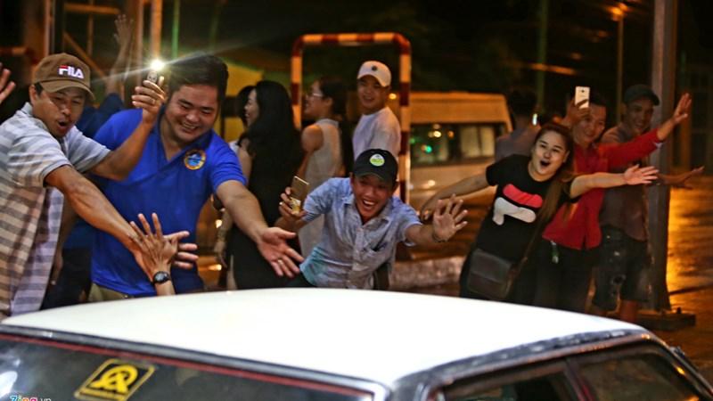 [Video] Tài xế xuống đường khi trạm Cai Lậy tạm dừng thu phí