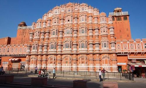 Cung điện gần 1.000 cửa sổ ở Ấn Độ