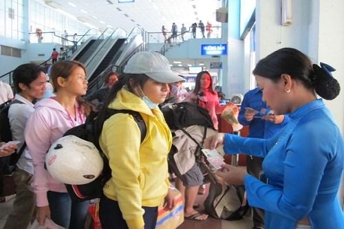 Từ 15/12, hành khách đi tàu mang quá hành lý phải ký gửi như đi máy bay