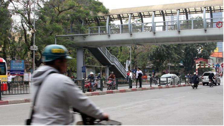 [Video] TP. Hồ Chí Minh xây thêm 6 cầu vượt bộ hành