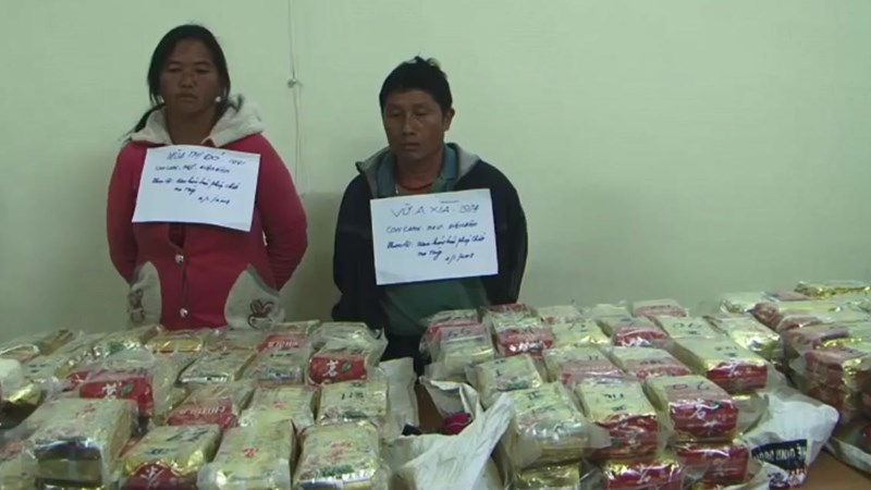 [Video] Gần 500 bánh heroin trị giá 70 tỷ đựng trong bao tải