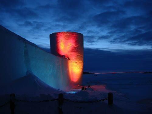 Lâu đài khổng lồ cứ xây lại biến mất suốt 20 năm ở Phần Lan