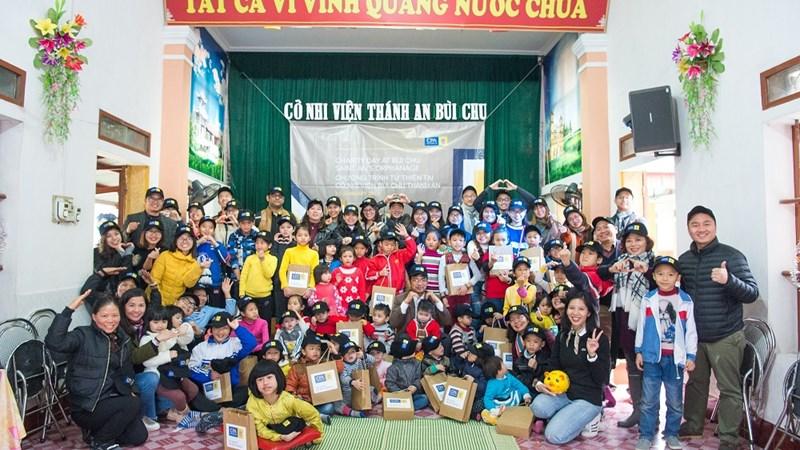 CPA Australia tặng quà cho cô nhi viện Bùi Chu Thánh An