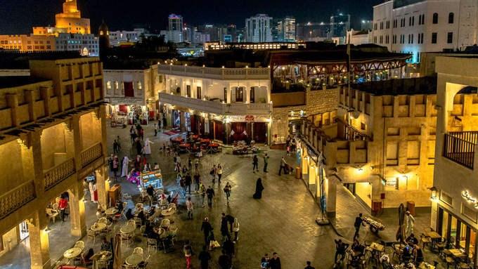 """Bên trong khu """"chợ đứng"""" ở thủ đô Qatar"""