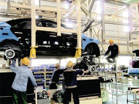 Ngành công nghiệp ô tô: Mãi không chịu lớn...