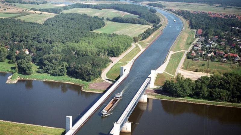 [Video] Khung cảnh ngoạn mục của 3 cây cầu nước lớn nhất thế giới