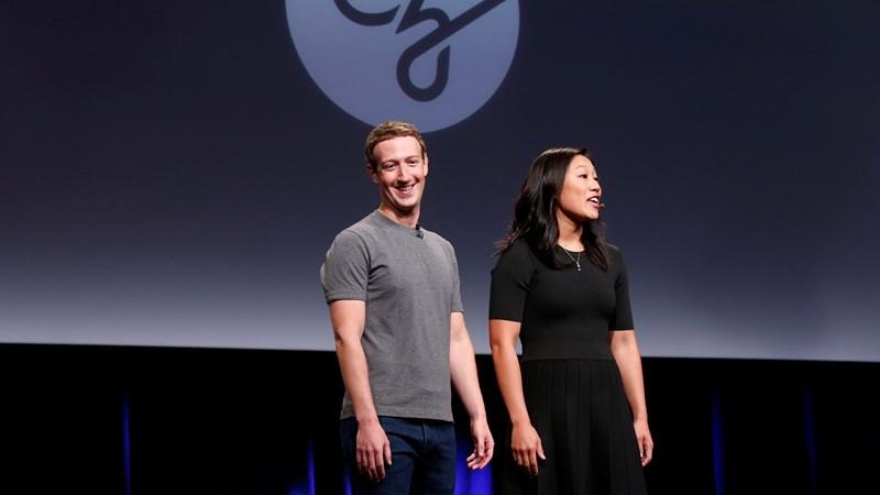 Ông chủ Facebook bán cổ phiếu lấy gần nửa tỉ USD làm từ thiện