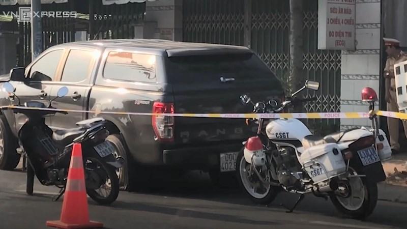 [Video] Ô tô chở hàng lậu tông nhiều cảnh sát khi bị truy đuổi