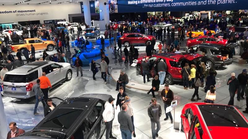 [Infographic] Top 10 ô tô bán chạy tháng 2