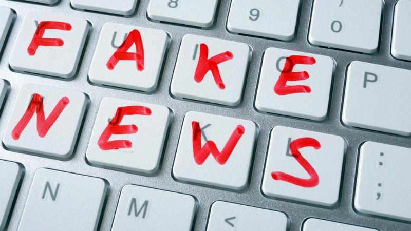 """Thế giới tuyên chiến với tin giả: """"Virus"""" làm suy yếu lòng tin"""