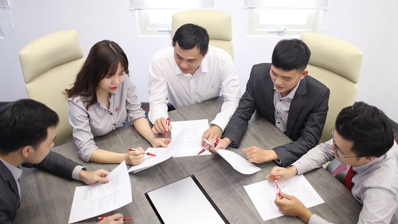 Bàn về kiểm soát nội bộ và hiệu quả hoạt động của các doanh nghiệp
