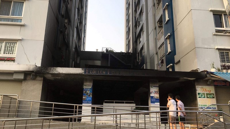 [Video] Những câu hỏi xung quanh vụ cháy chung cư Carina
