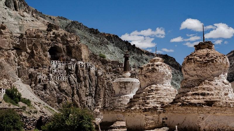 Phuktal: Tu viện cheo leo giữa vách đá