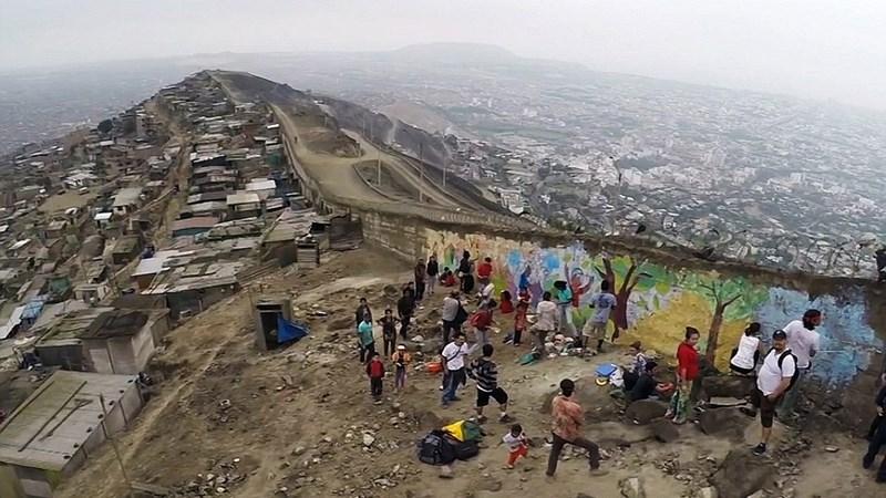 Bức tường của sự khốn cùng ở Peru