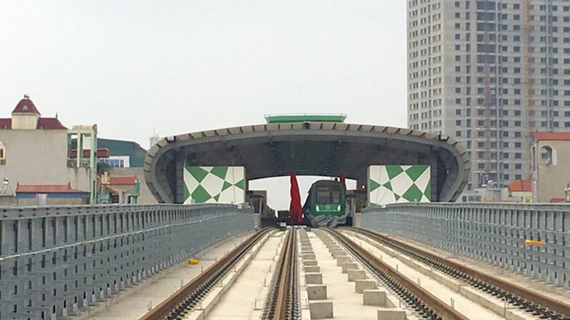 [Video] Người đứng đầu ngành Giao thông Vận tải trải nghiệm tàu đường sắt Cát Linh - Hà Đông
