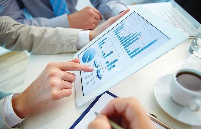 Nhân tố ảnh hưởng đến công bố thông tin doanh nghiệp niêm yết trong lĩnh vực chăm sóc sức khỏe