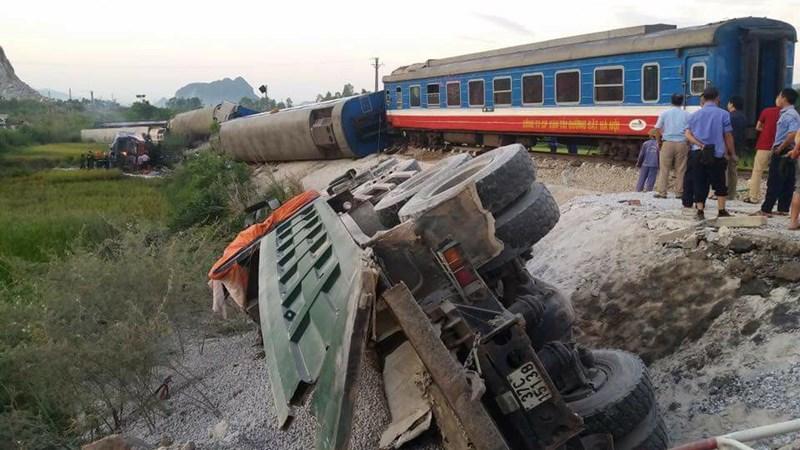 [Video] Diễn biến vụ tai nạn tàu hỏa ở Thanh Hóa