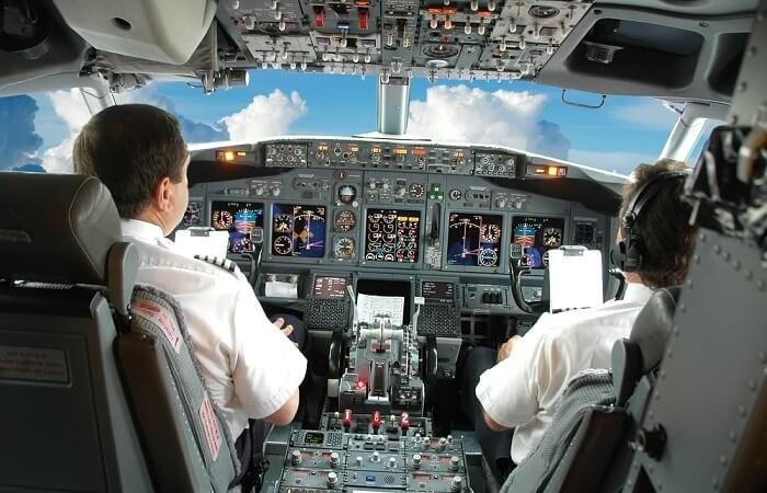 Lương phi công 3 hãng hàng không Việt chênh nhau thế nào?